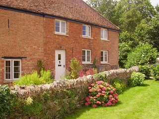 Beautiful House with Internet Access and Hot Tub - Over Stowey vacation rentals