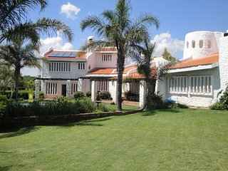 Comfortable House with Shared Outdoor Pool and Satellite Or Cable TV - Midrand vacation rentals