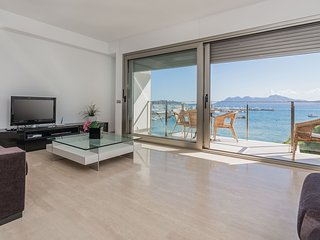 Beach front penthouse with superb sea views - Port de Pollenca vacation rentals