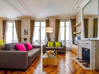 Saint Germain Saint Sulpice, Sleeps 4 - 1st Arrondissement Louvre vacation rentals