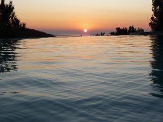 Vue sur Baie de Cannes 15 min de la Plage Piscine Privé Air Conditionné - Frejus Plage vacation rentals