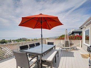 Designer Solana Beach home w/wrap-around deck & ocean views - dogs OK! - Solana Beach vacation rentals