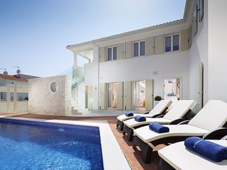 Luxurious Villa Sophia with Swimming Pool and BBQ - Tar-Vabriga vacation rentals
