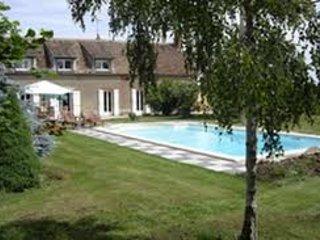Chambres d'Hotes & Gite du Carron de la Chapelle - Ervauville vacation rentals
