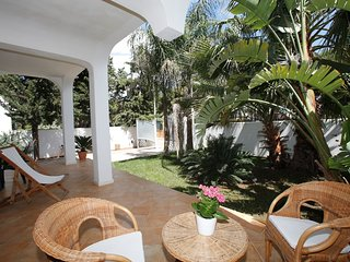 Ferreri - Villa with private garden at 350 m from the beach - Specchiolla vacation rentals
