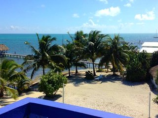 Beach front, balcony with sea view, 'Double room'-AR - Caye Caulker vacation rentals