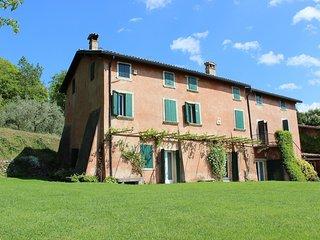 Charming 5 bedroom Villa in Bardolino with Internet Access - Bardolino vacation rentals