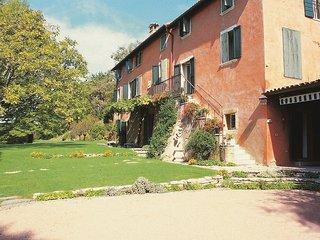 5 bedroom Villa in Bardolino, Veneto, Italy : ref 2383064 - Bardolino vacation rentals