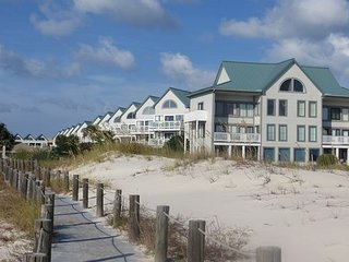 MAY CANCELLATION SPECIAL-5/1-5/5-5 NIGHT STAY FOR $998.60**Aqua Vacations - Gulf Shores vacation rentals