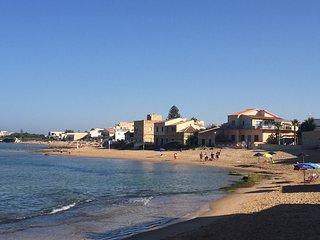 Punta Secca centro Casa Ribea a pochi passi dalla spiaggia di Montalbano. - Punta Secca vacation rentals