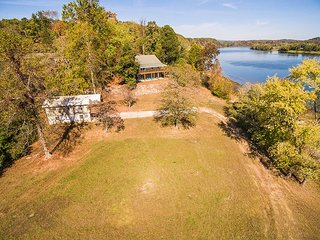 On Lake Chickamauga/TN River - sleeps up to 19 in three houses, Dayton, TN - Dayton vacation rentals