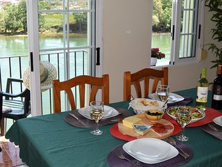 Riverside Relaxation on the banks of the Ebro - Mora d'Ebre vacation rentals