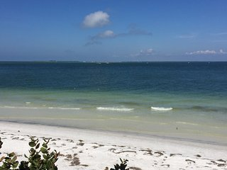 Serendipity Trois - 4 bedroom 4 & 1/2 bath w/pool - Anna Maria vacation rentals