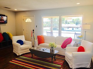 The Cowtown Cottage- Bright Fort Worth Fun! - Fort Worth vacation rentals