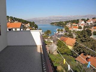 TH01509 Apartments Širković / Three Bedrooms A2 - Splitska vacation rentals