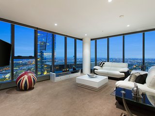 """THE LONDONER"" PENTHOUSE 3 BRM at FRESHWATER PLACE - Melbourne vacation rentals"