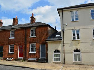 2 bedroom House with Internet Access in Winchester - Winchester vacation rentals