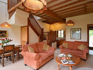 2 bedroom Cottage with Internet Access in Ab Lench - Ab Lench vacation rentals