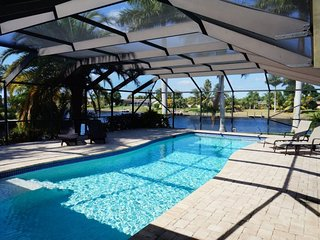Casa DeLo - SE Cape Coral 3b/2ba/Den, Oversized 40ft long Elect Heated Pool - Cape Coral vacation rentals