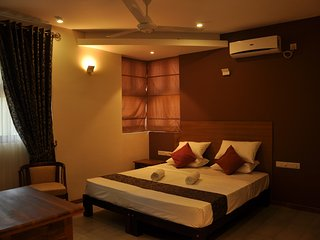 RIVORICH RESIDENCE DOUBLE DELUXE ROOM G2 - Kandy vacation rentals