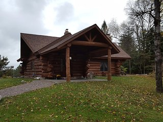 Comfortable 3 bedroom House in Star Lake - Star Lake vacation rentals