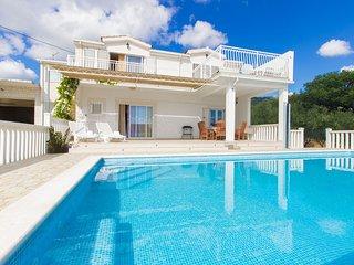 House wih pool, for active holiday, Kastela - Kaštel Novi vacation rentals