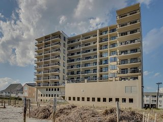 2 bedroom, 2 bathroom, oceanfront condo - North Myrtle Beach vacation rentals