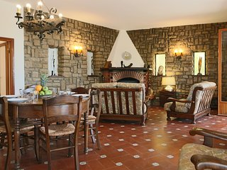 Orchid Large villa with garden, parking and Wifi - Massa Marittima vacation rentals