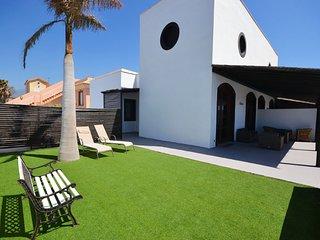 A04TF NICE HOUSE SEA FRONT - El Medano vacation rentals
