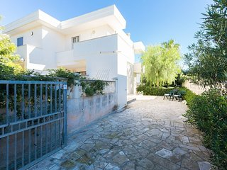 Bice - Holiday rental in Puglia - at 250 m from the beach - pets allowed - Torre Santa Sabina vacation rentals