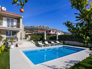 4 bedroom Villa with Internet Access in Kastel Kambelovac - Kastel Kambelovac vacation rentals