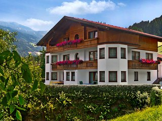 Beautiful 2 bedroom Apartment in Aschau im Zillertal with Television - Aschau im Zillertal vacation rentals