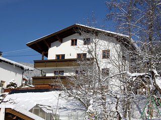Spacious 4 bedroom Kirchberg Apartment with Balcony - Kirchberg vacation rentals