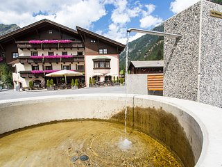 Beautiful Condo with Internet Access and Television - Saint Leonhard im Pitztal vacation rentals