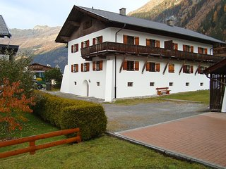 Beautiful Condo with Internet Access and Television - Kaunertal vacation rentals
