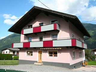 Beautiful 3 bedroom Apartment in Kaltenbach with Internet Access - Kaltenbach vacation rentals