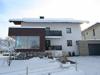 Charming Condo with Television and Balcony - Kaltenbach vacation rentals