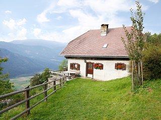 Convenient 2 bedroom House in Greifenburg with Television - Greifenburg vacation rentals