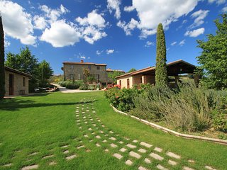 Comfortable House with Internet Access and Shared Outdoor Pool - Citta della Pieve vacation rentals