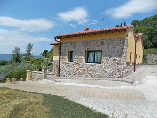 Comfortable House with Shared Outdoor Pool and Television - Rufina vacation rentals