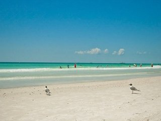 Surfside Serendipity - 5 bed & heated pool - Anna Maria vacation rentals