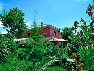 Comfortable 3 bedroom House in Città Sant'Angelo - Città Sant'Angelo vacation rentals