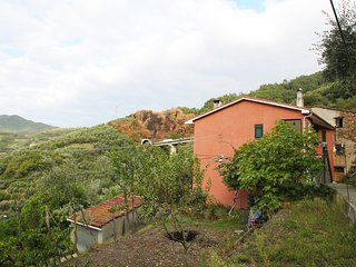 Cozy 3 bedroom Condo in Moneglia - Moneglia vacation rentals