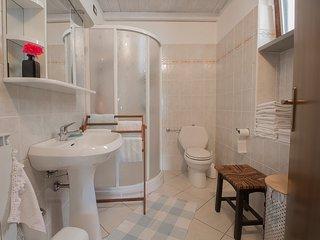 Bright 2 bedroom House in Pontremoli - Pontremoli vacation rentals
