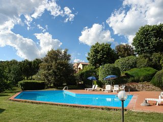 Beautiful Condo with Shared Outdoor Pool and Television - Gambassi Terme vacation rentals