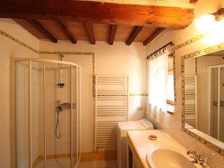 Cozy 2 bedroom Montecatini Val di Cecina Apartment with Television - Montecatini Val di Cecina vacation rentals