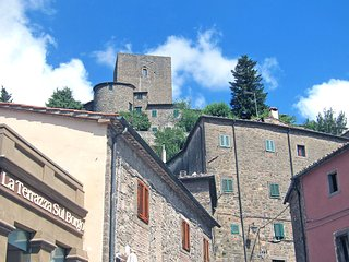 Beautiful 4 bedroom Apartment in Montecatini Val di Cecina with Internet Access - Montecatini Val di Cecina vacation rentals