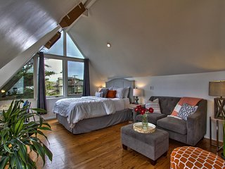 Convenient House with Deck and Washing Machine - Monterey vacation rentals