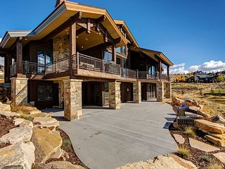 Luxury 5BR, 6BA Home in Park City - Sleeps 22, Mountain Views & Near Skiing - Park City vacation rentals