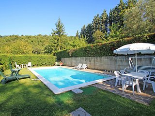 Comfortable 4 bedroom Scarperia House with Shared Outdoor Pool - Scarperia vacation rentals